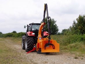 A141+Jensen+PTO+mounted+Jensen+wood+chipper-2