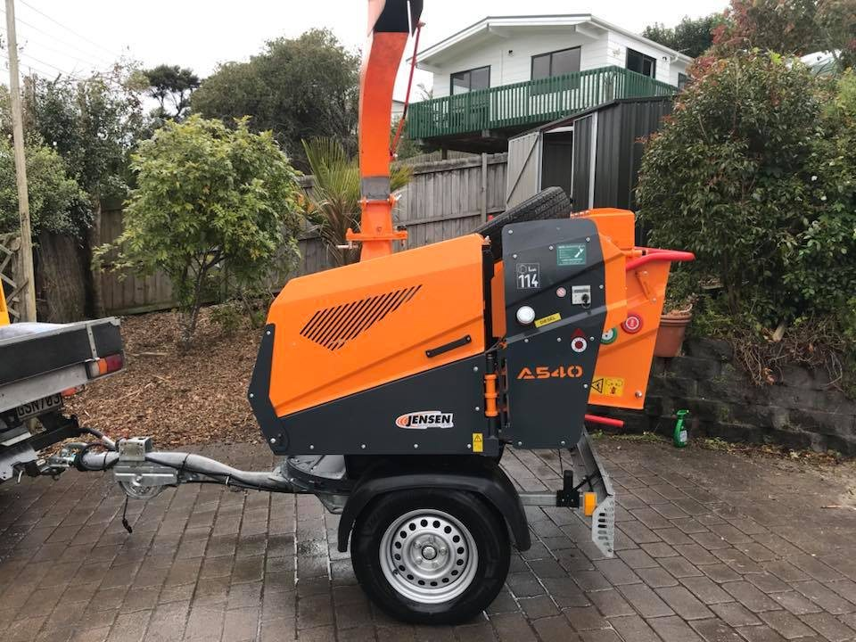 A540-Jensen-wood-chipper-with-Turntable-A20.1